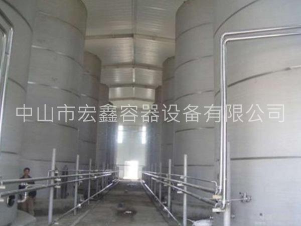 大型油罐图片